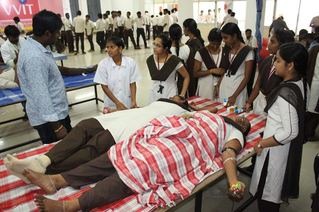 students of vvit at blood donation camp